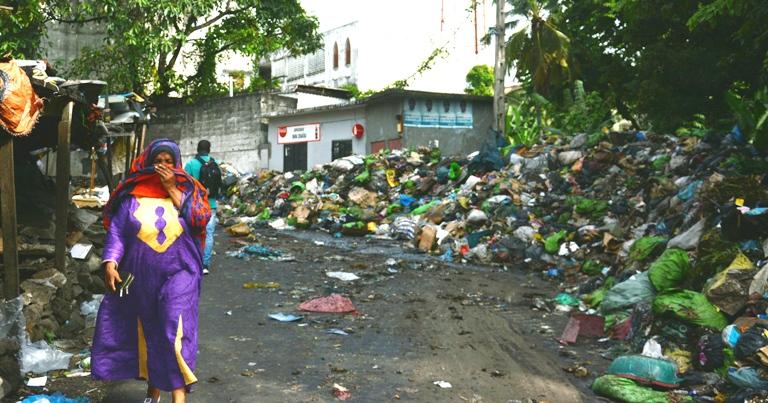 Gestion des déchets de Moroni : Les deux marchés jonchés de montagnes d'ordures